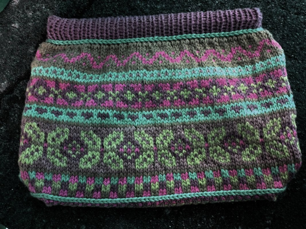 Knitted Fair Isle Bag pink, cayman, sage