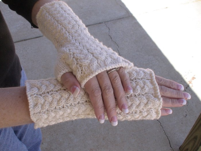 Cabled Fingerless Glove Pattern